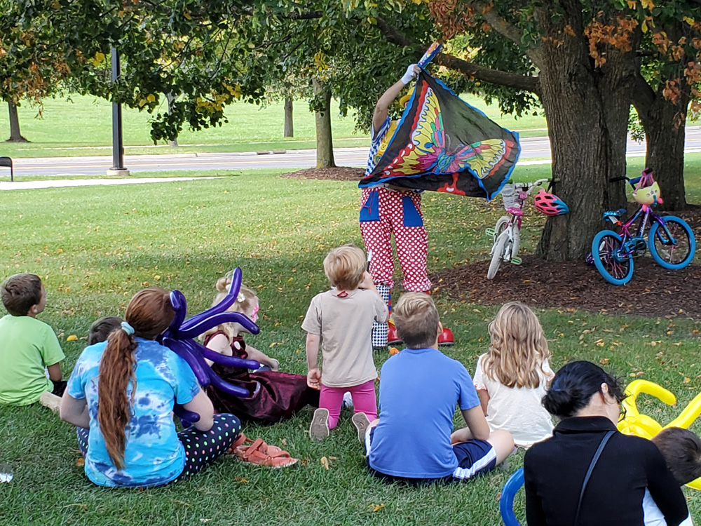 2019 Picnic Clown with Children